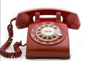 Evet. Elimizdeki alet her şeyden önce numarası olan ve numaraları aramamızı sağlayan bir telefon. Hatta bazılar 2 telefon